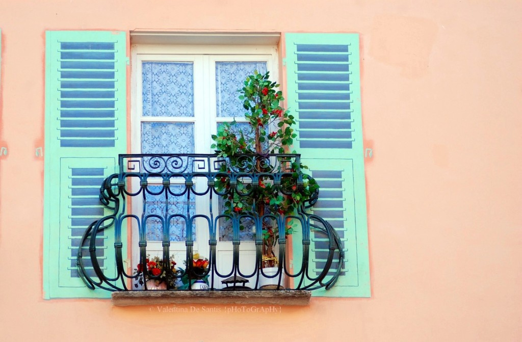 Windows in Bastia