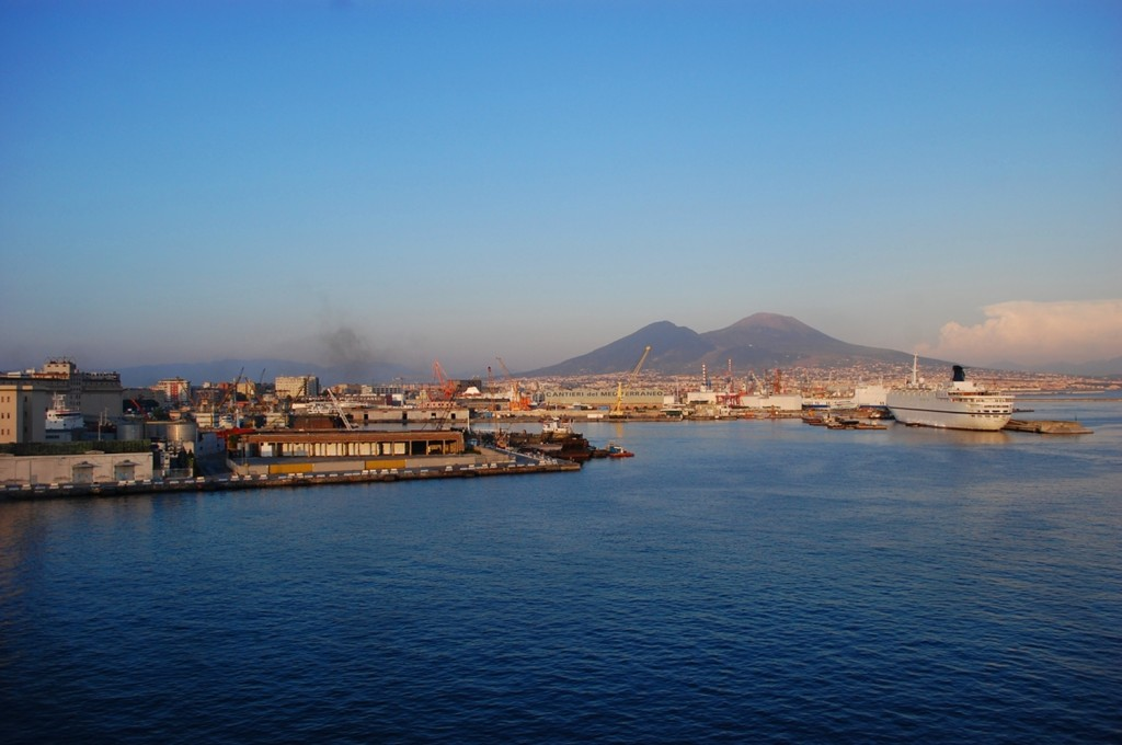 Vesuvio, from the bay
