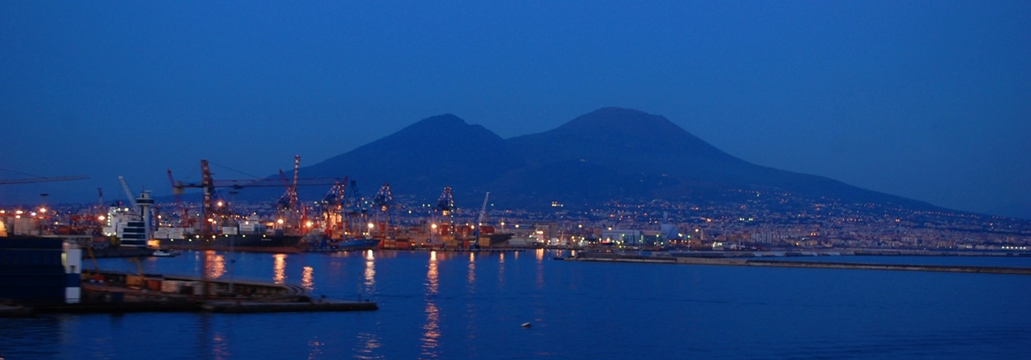 The evening comes on Vesuvio