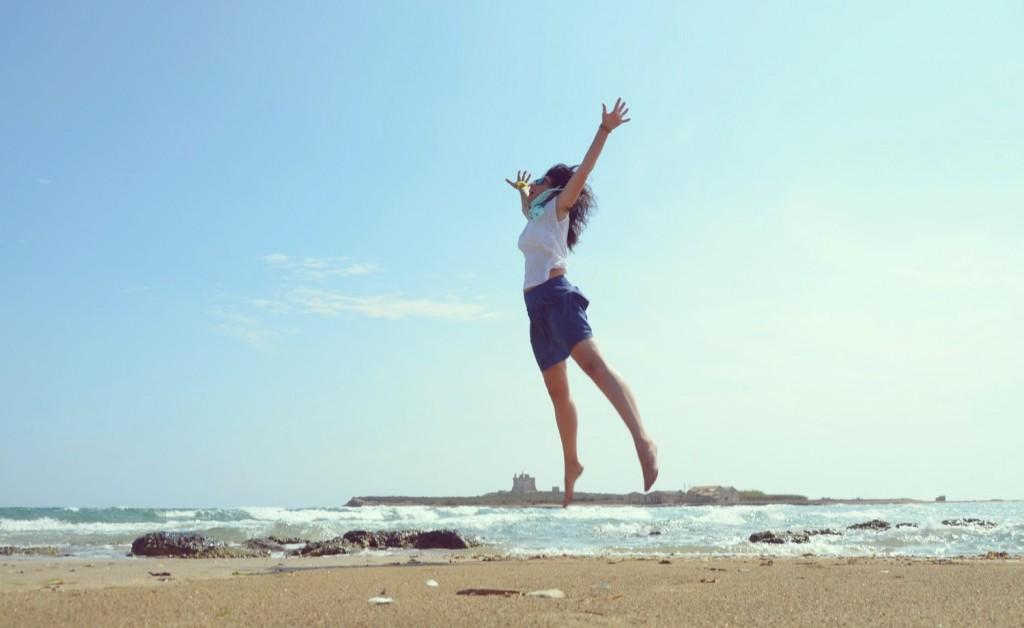 Jumping in Portopalo