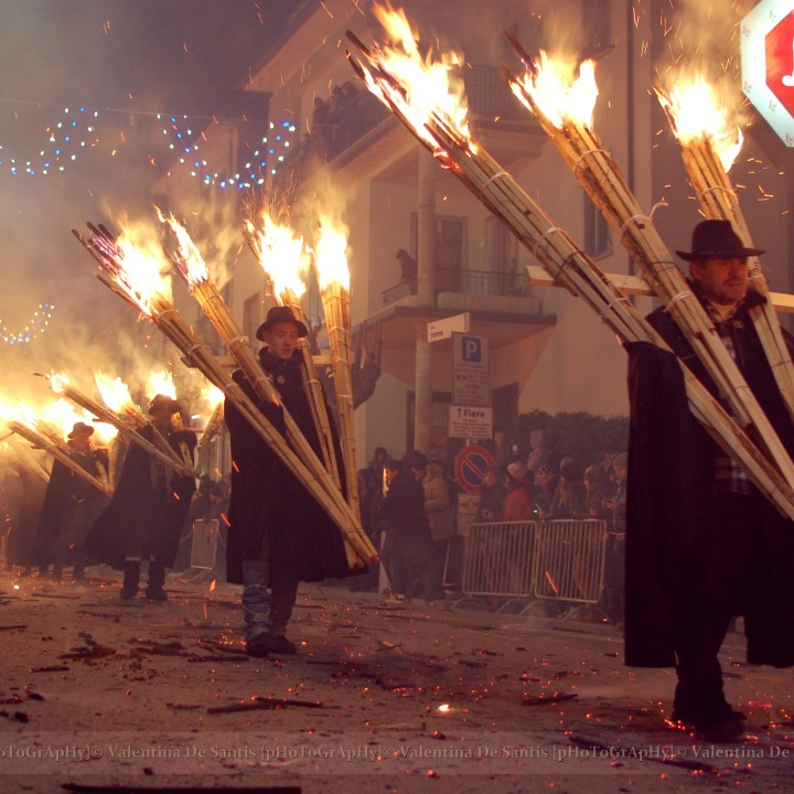 The largest fire ritual, la Ndocciata