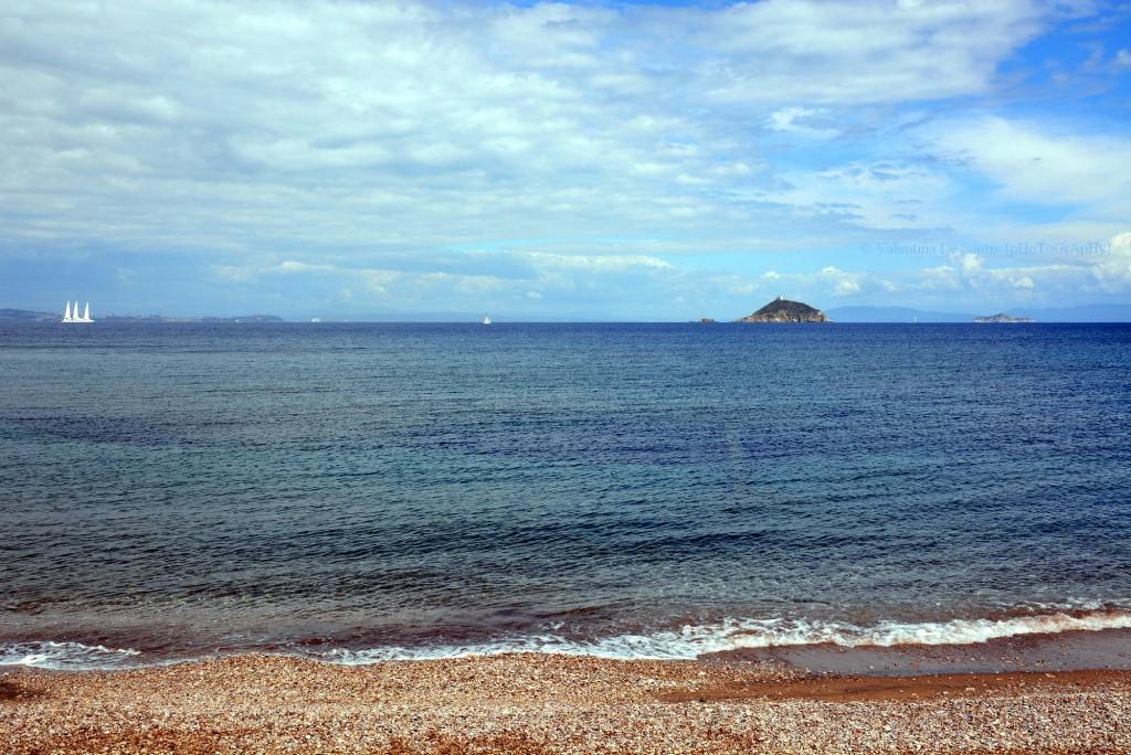 Cavo, the beach
