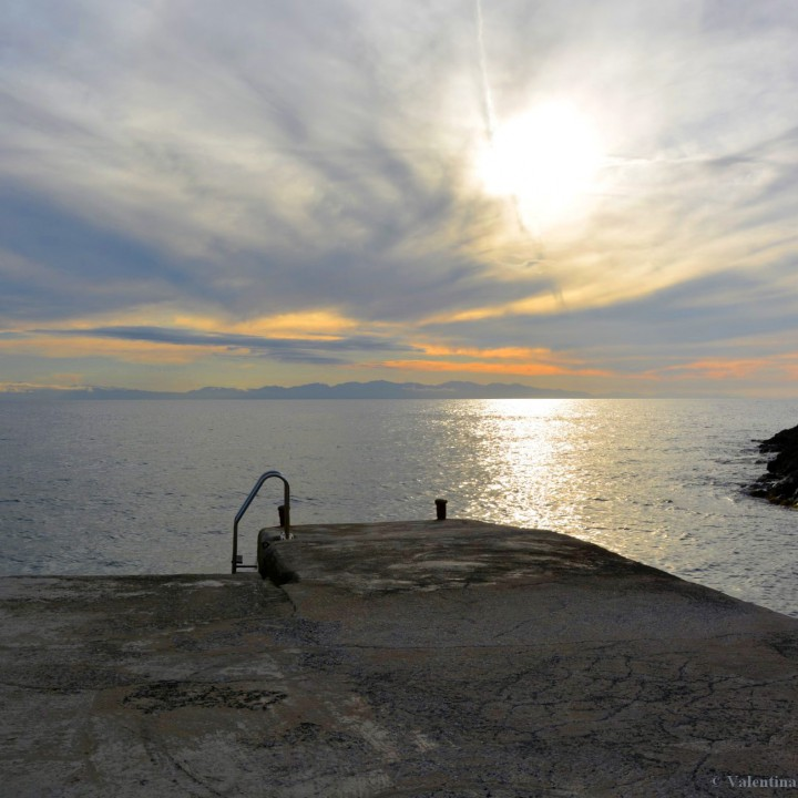 Island of Elba: sunset in Patresi