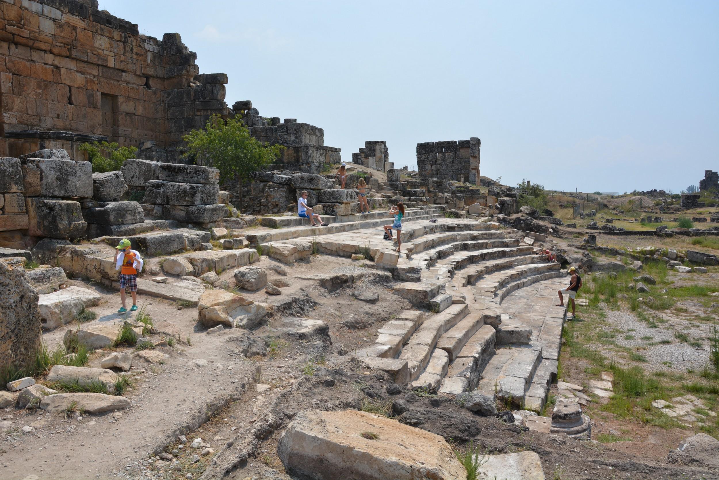Hierapolis, ruins of Ninpheum