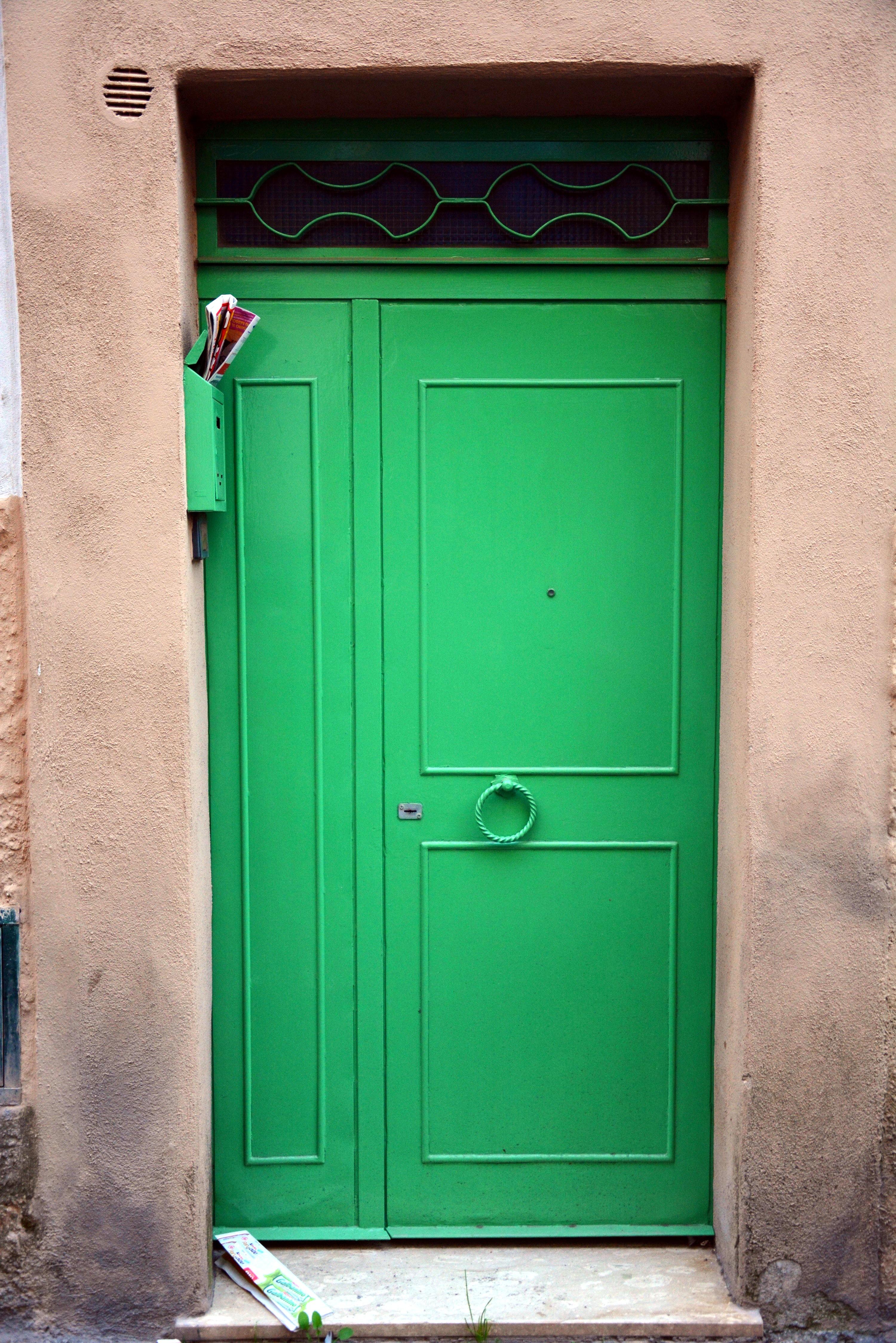 Montecompatri, door