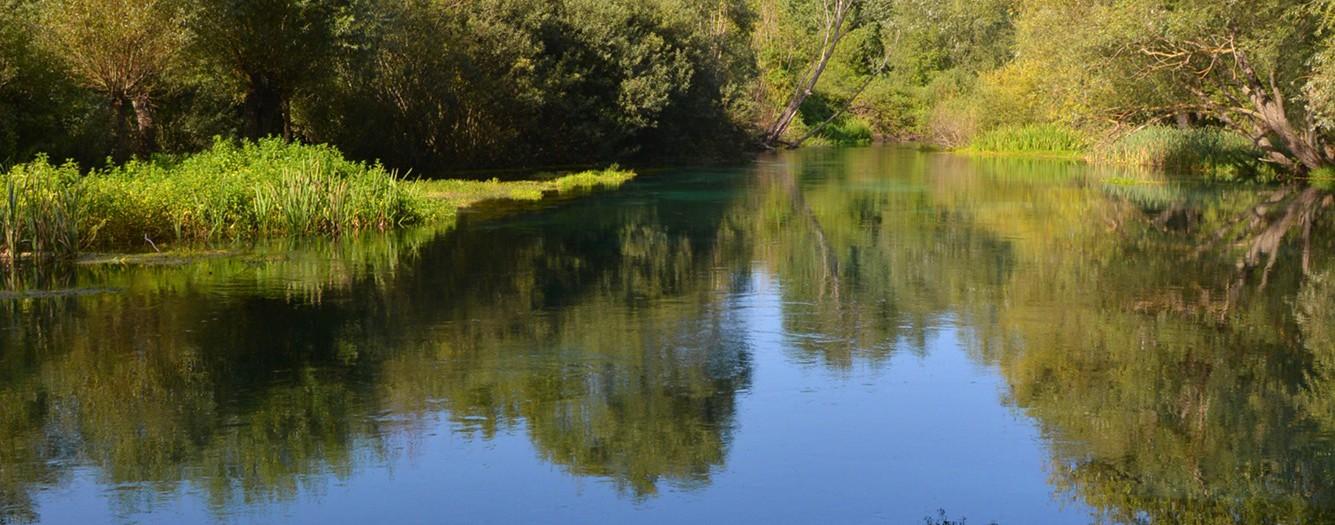 The blue water of Tirino