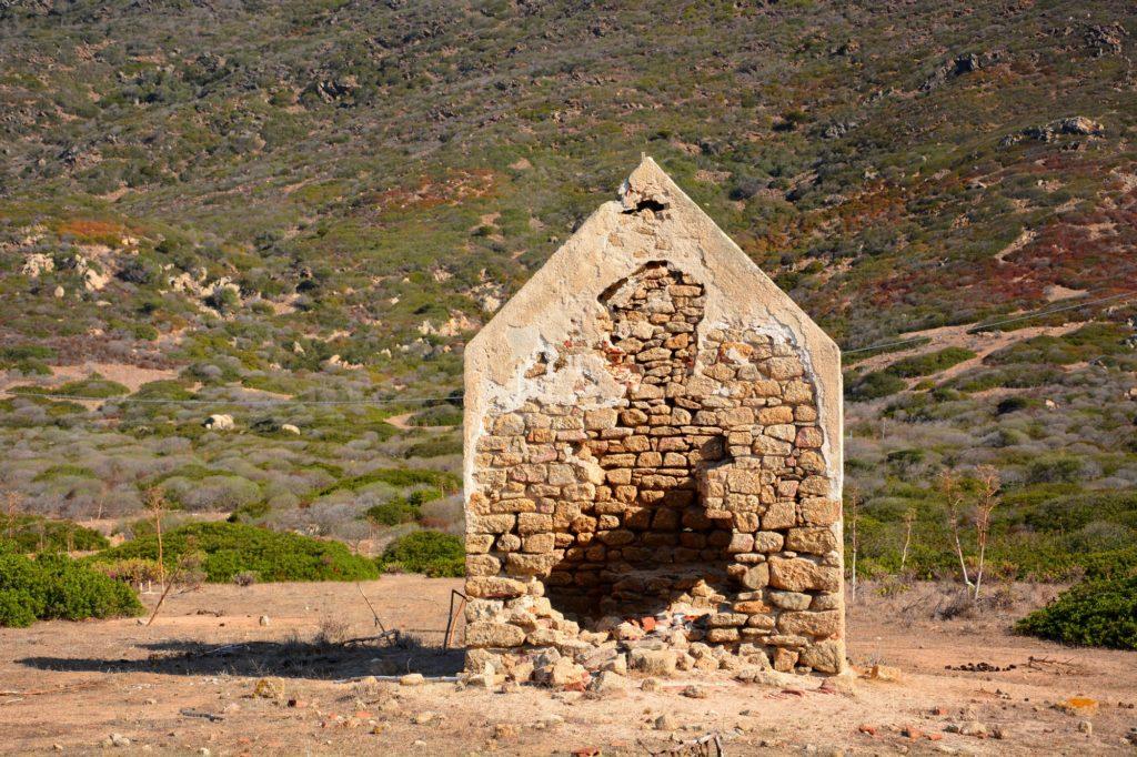 Visiting the Island of Asinaria